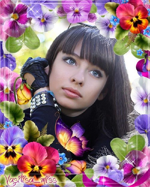 Цветочная рамка - Фиалки, бабочки и голубые цветы