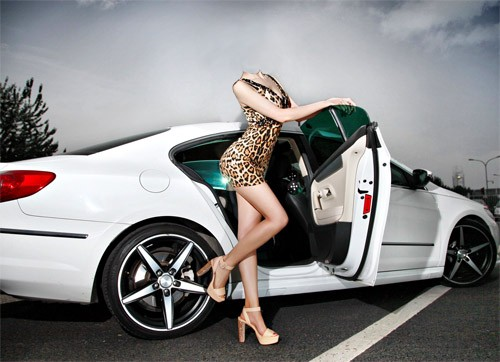Шаблон для фотомонтажа - Девушка рядом с машиной