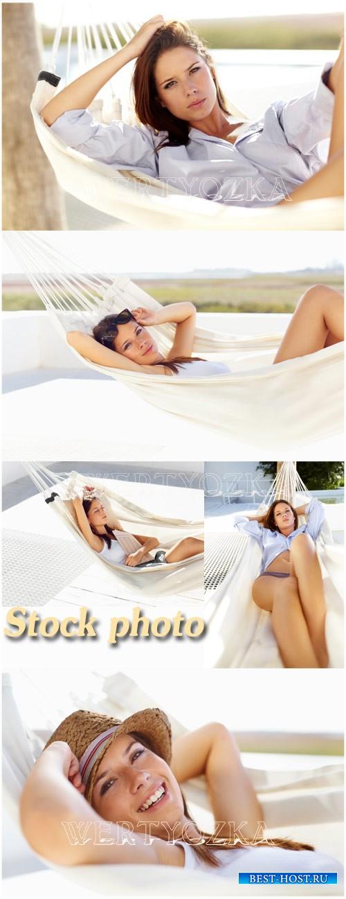 Девушка в гамаке / Girl in a hammock - Raster clipart