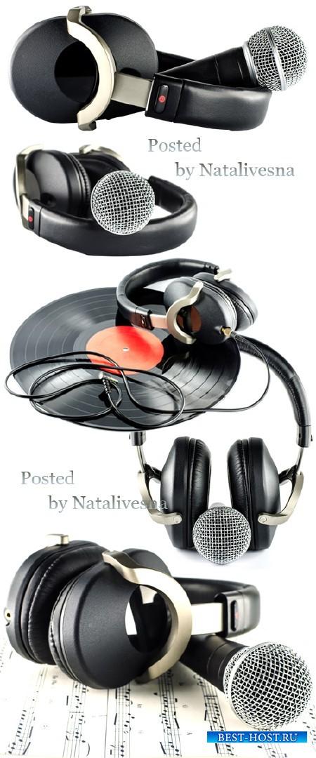 Наушники и микрофон на белом фоне / Earphones and microphone - Stock photo