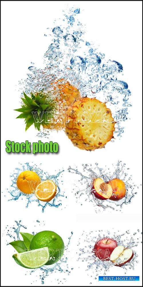 Фрукты в воде, ананас, персик, яблоко / Fruits in water, pineapple, peach, apple - Raster clipart