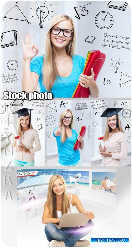 Студентка, девушка с ноутбуком / Student girl with a laptop - Raster clipart