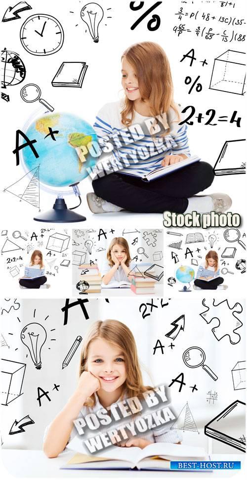 Девочка школьница читает книжку / Girl schoolgirl  - stock photos