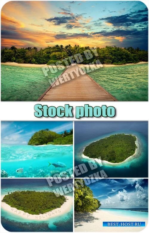 Остров в океане / Island in the ocean - stock photos