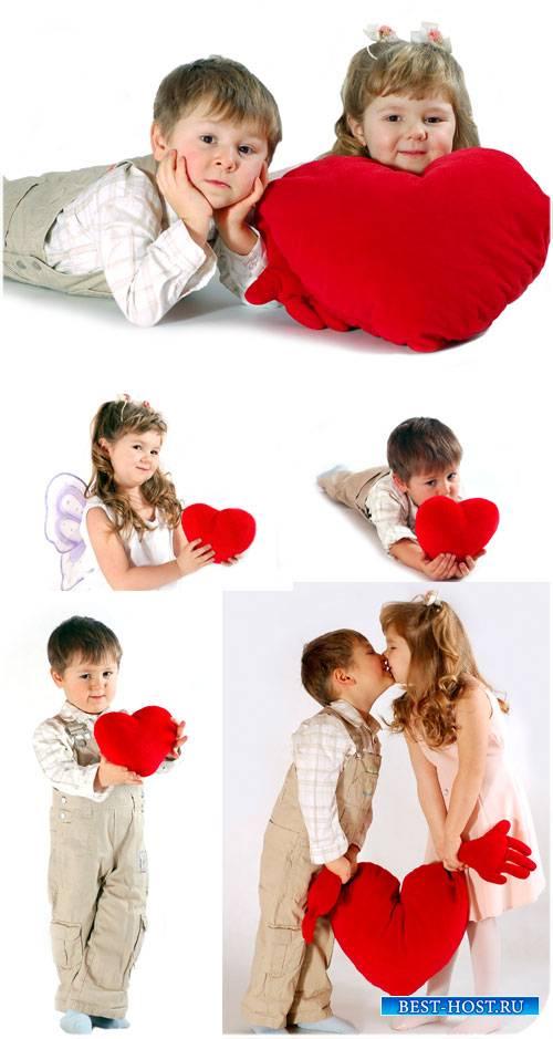 Мальчик и девочка с сердцем - сток фото