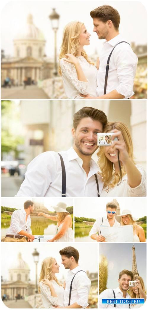 Путешествие, влюбленная пара в Париже / Travel, loving couple in Paris - St ...