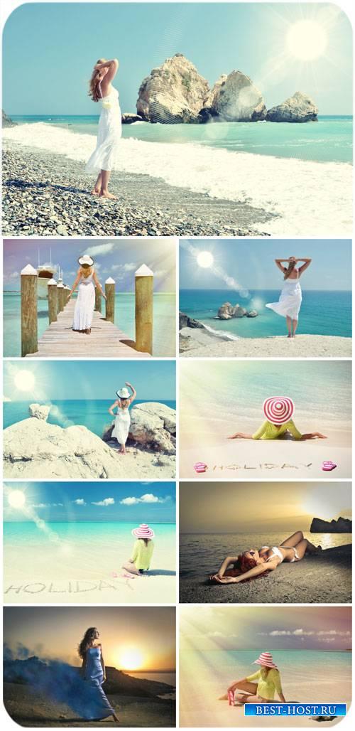 Девушки, чудесные морские пейзажи / Girls, wonderful seascapes - stock photos