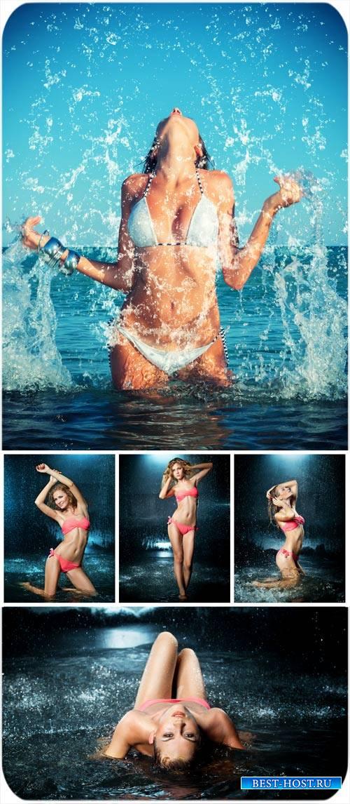 Девушки в воде / Girl in water - Stock Photo