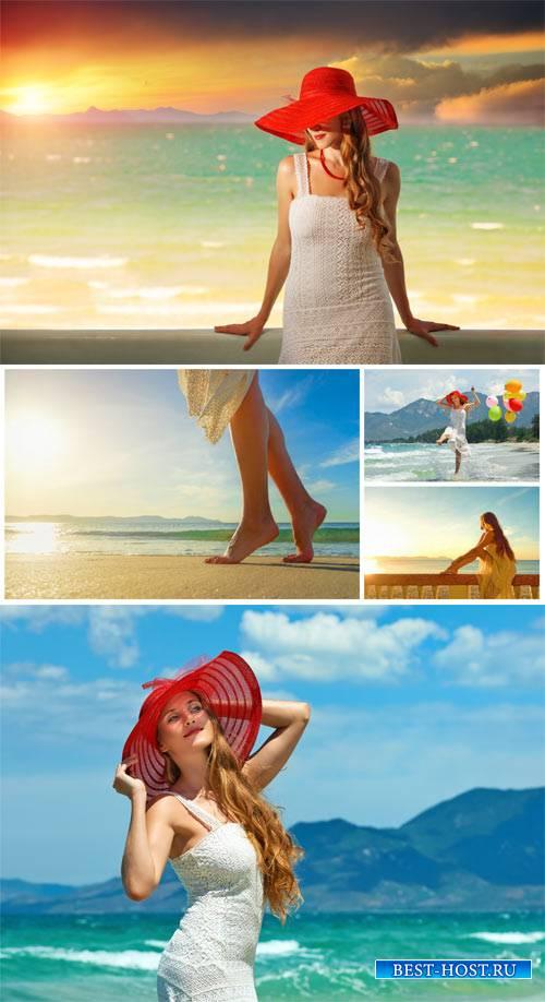 Девушки на побережье, морские пейзажи / Girls on the coast, seascapes - sto ...