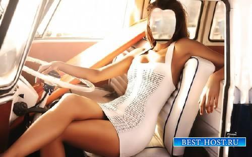 Женский шаблон - В старом автомобиле в белом платье