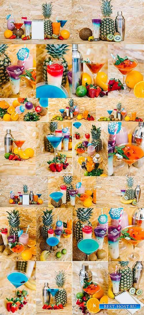 Коктейли и экзотические фрукты / Cocktails and exotic fruits
