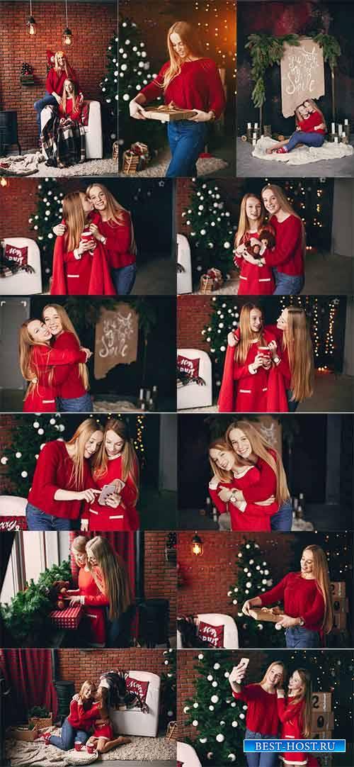 Сёстры у новогодней ёлки - Клипарт / Sisters at the Christmas tree - Clipar ...