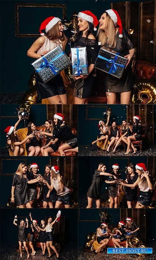 Девушки встречают Новый Год - Клипарт / Girls celebrate the New Year - Clipart