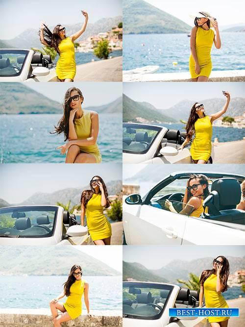 Девушка в жёлтом платье - Растровый клипарт