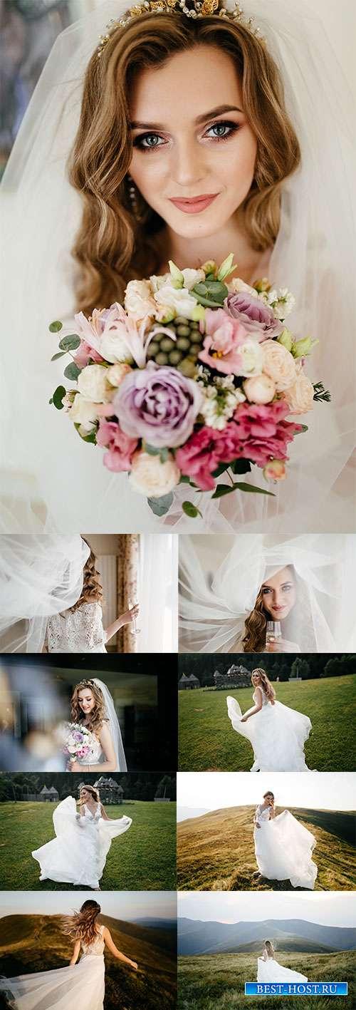 Невеста в свадебном наряде - Фотоклипарт