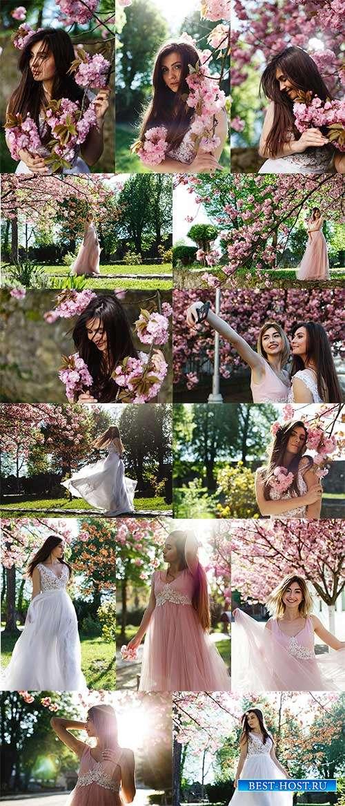 Нежная, как весенний цветок - Фотоклипарт