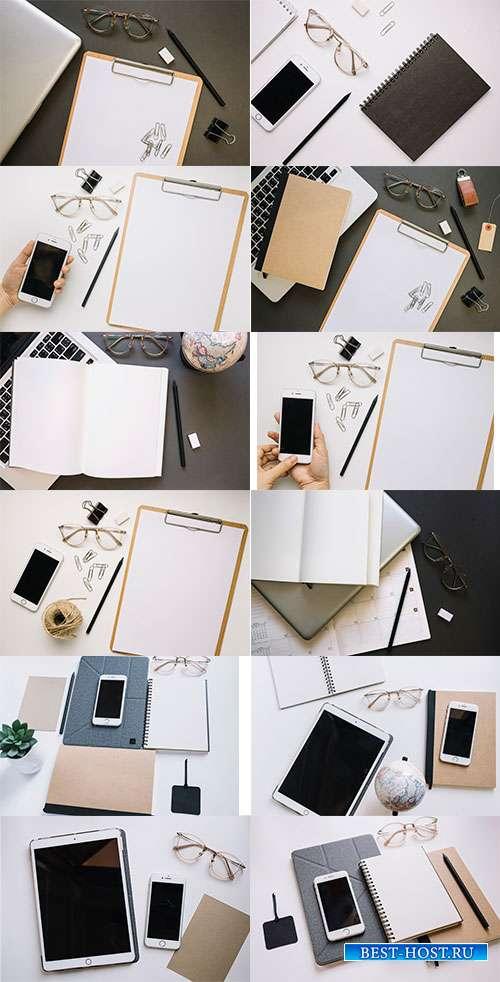 Растровые фоны со смартфоном, блокнотом и ручкой