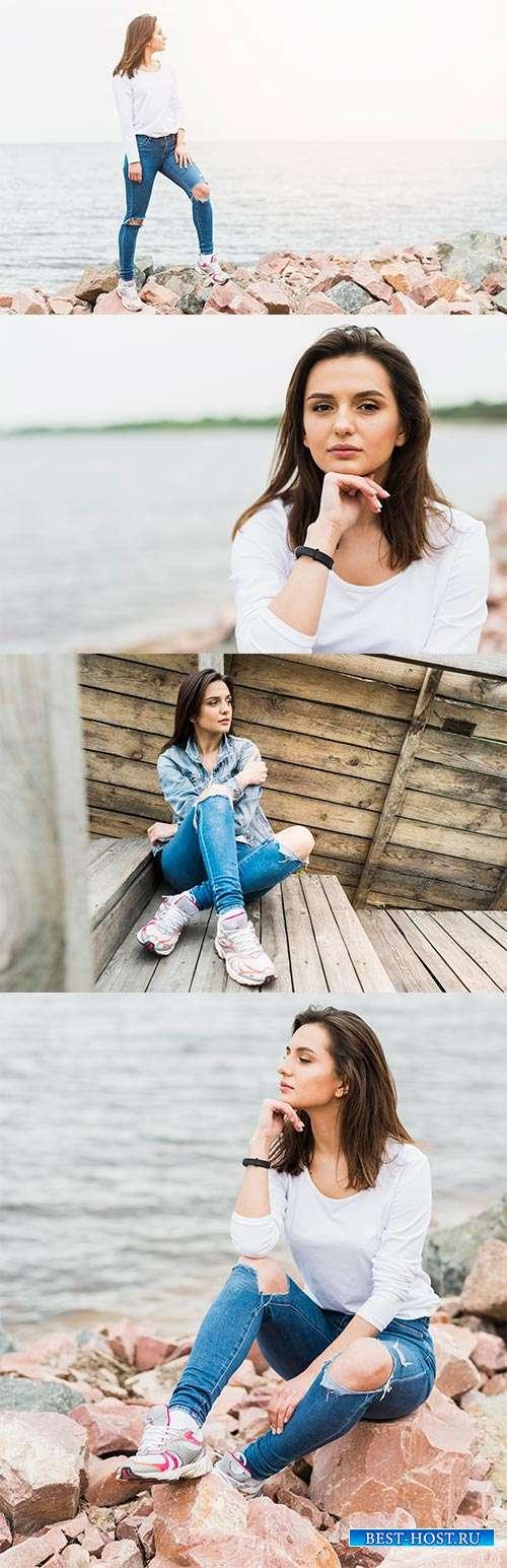 Всегда и везде будь на высоте - Фотоклипарт красивой девушки