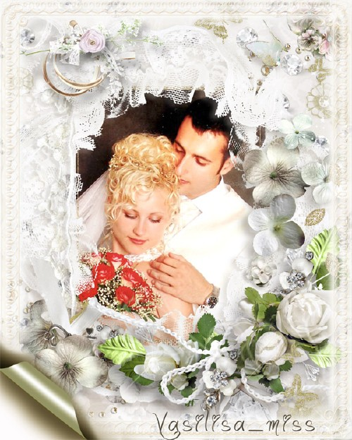 Ажурная свадебная фоторамочка с белыми цветами