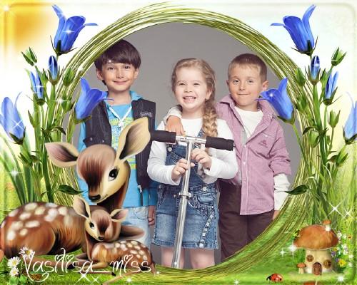 Детская рамочка для фотошопа с ласковыми оленями и голубыми цветами