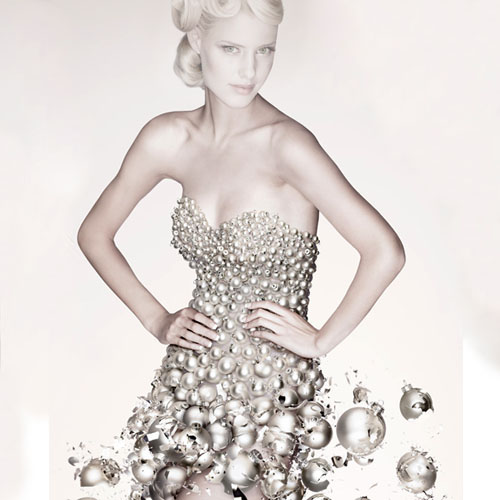Шаблон для фотошоп - девушка в необычном платье