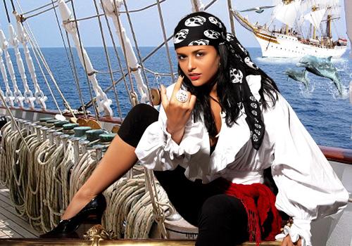 Женский шаблон для фотошопа - Черноглазая пиратка