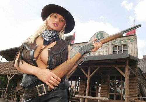 Женский шаблон для фотошопа - На Диком западе