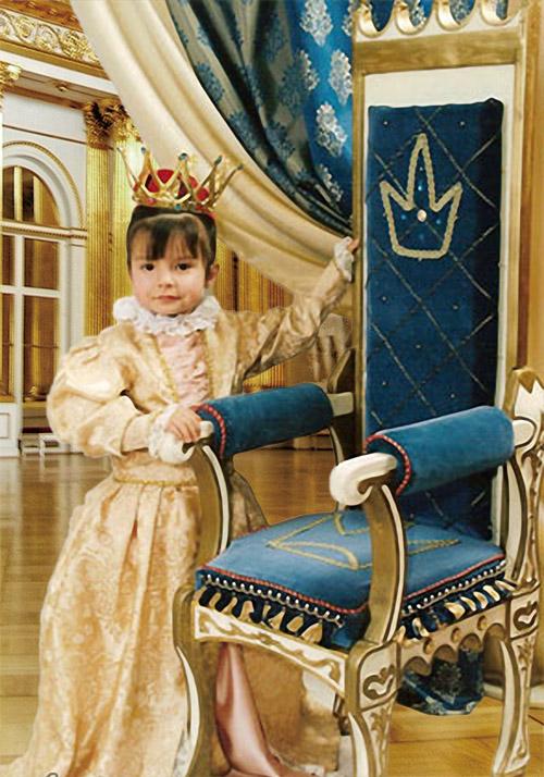 Детский шаблон для фотошопа - Наследница трона