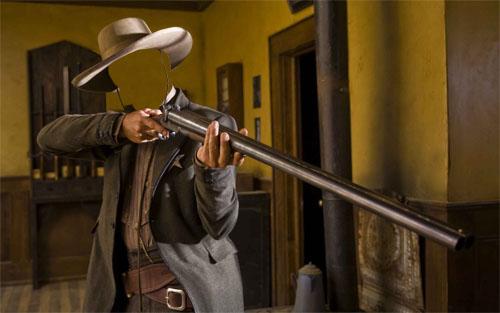 Шаблон мужской - полицейский с оружием
