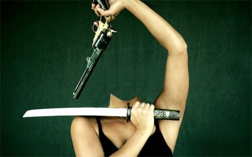 Шаблон psd женский - Вы с мечом и пистолетом