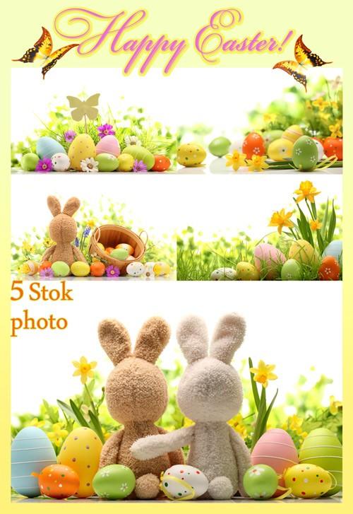 Пасха, пасхальные яйца, пасхальные кролики, нарциссы - Сток фото