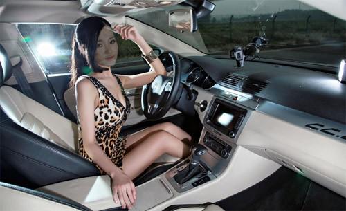 Шаблон для фотошопа - Фотосессия в новой машине
