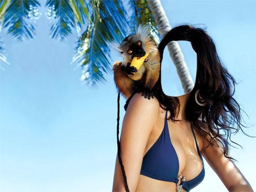 Шаблон для фотошопа - Брюнетка на отдыхе с симпатичным лемуром