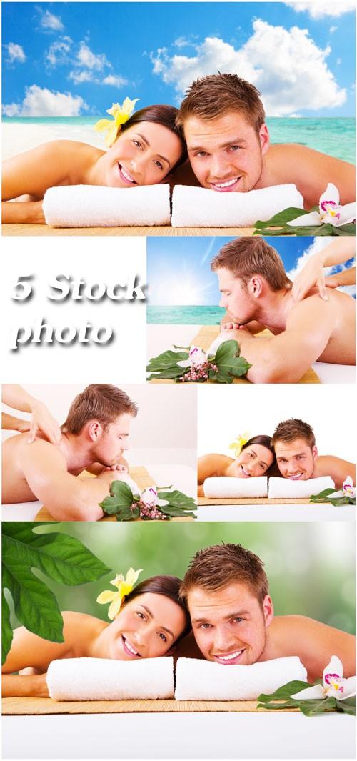 Спа, мужчина и женщина на фоне моря, массаж - растровый клипарт