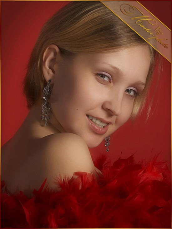Шаблон женский для photoshop - Гламурные перья красные