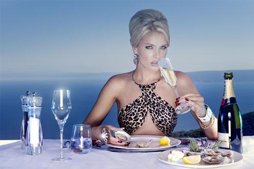 Шампанское под устрицы для королев - шаблон для фотошопа