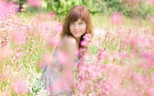 Женский шаблон - Розовые полевые цветы