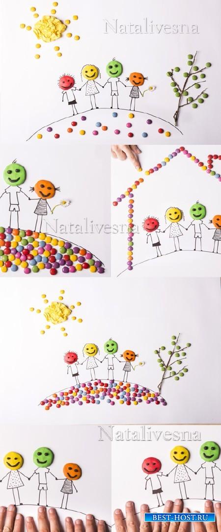 Забавные детские фоны с человечками