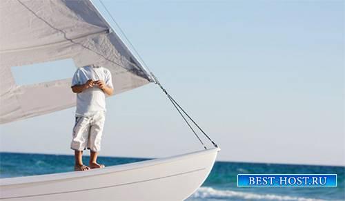 Шаблон детский - На роскошной яхте в синее море