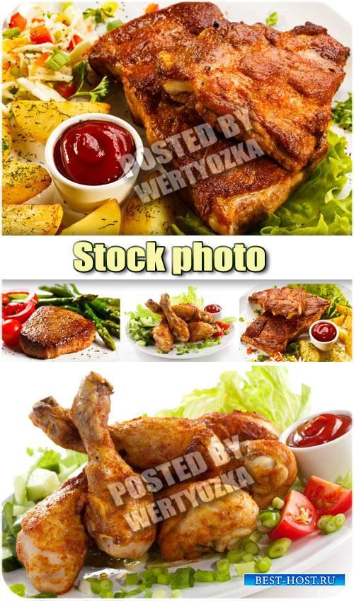 Жареное мясо, картошка, соус / Grilled meat, potatoes, gravy - stock photos