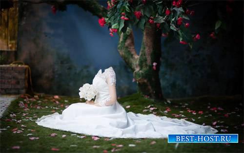 Под цветочным деревом в белом платье - шаблон psd женский