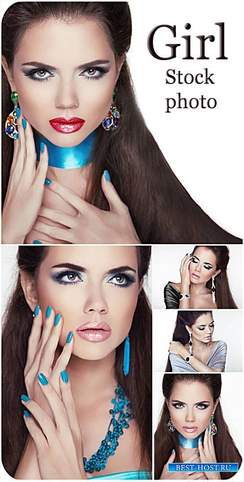 Гламурная девушка с модным макияжем - сток фото