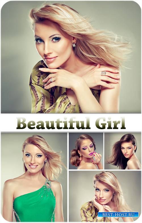 Девушки, красивые прически и макияж - сток фото