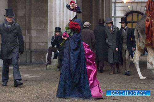 Шаблон psd женский - Барышня с красными розами и в платье XIX века
