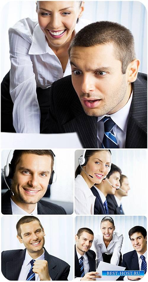 Бизнес люди, рабочий коллектив, офисная работа / Business people, working t ...