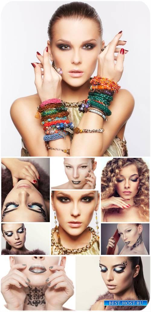 Модные девушки, гламурный макияж / Fashionable girl, glamorous makeup - Sto ...