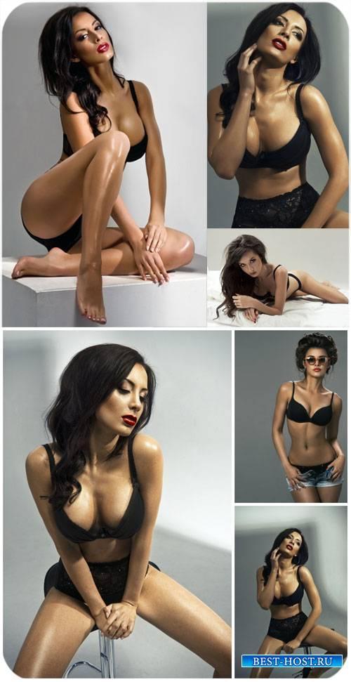Красивые брюнетки в черном нижнем белье / Beautiful brunette in black linge ...