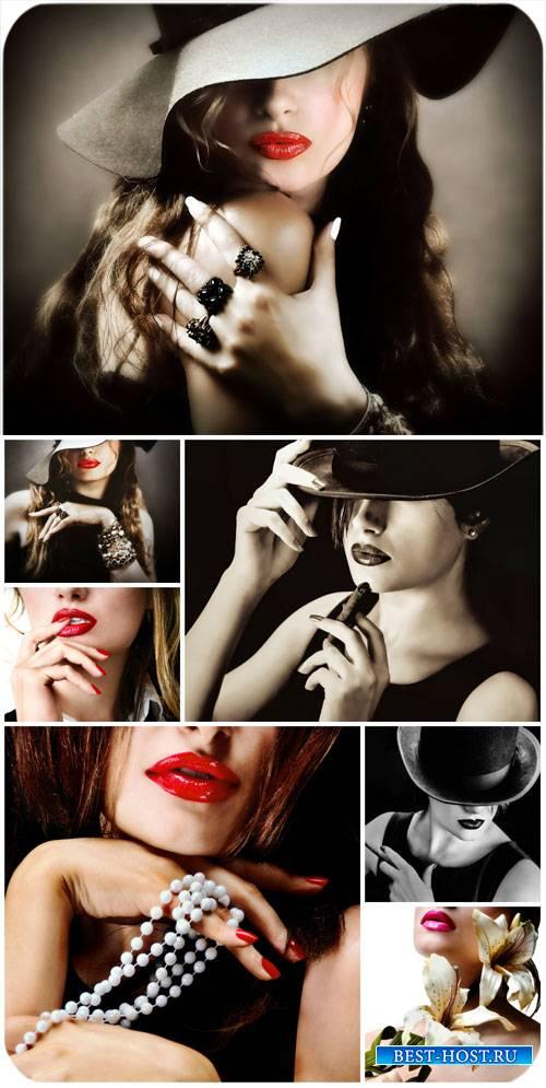 Девушки с призакрытым лицом, таинственные женщины / Girl with face covered, ...