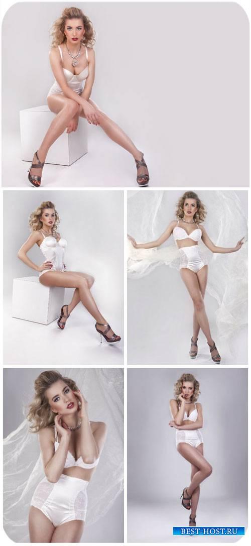 Девушка в белом нижнем белье / Fashionable girl in white lingerie - Stock P ...