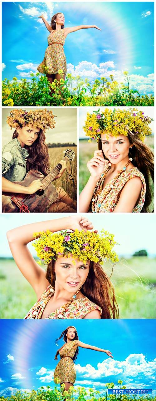 Девушка в цветочном венке на природе / Girl in a flower wreath on the natur ...